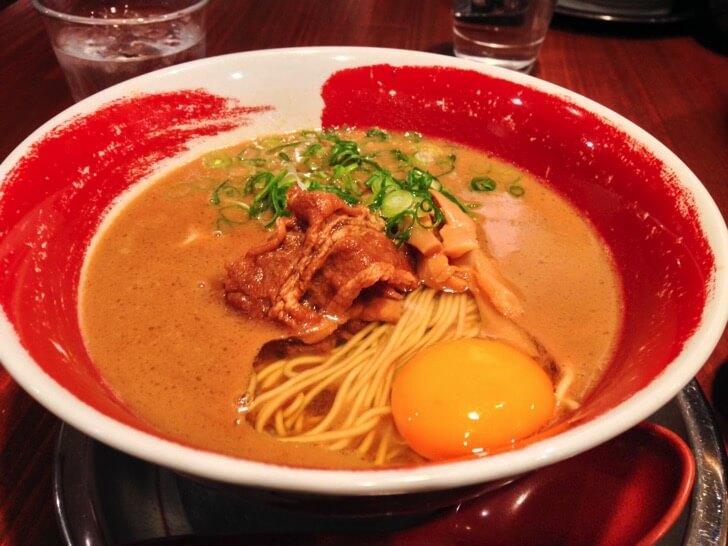 【高知メシ】この味は独特!徳島ラーメンが味わえる『麺王』