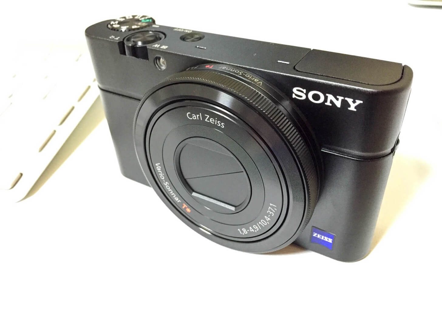 sony-rx100-vs-iphone20